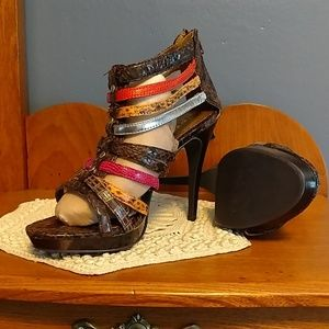 Icora heeled sandals Sz 6